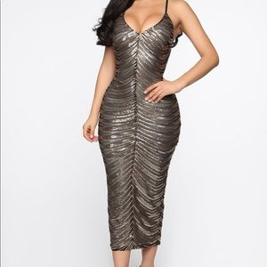 New with tag Sequin Midi Dress - Black/Gold